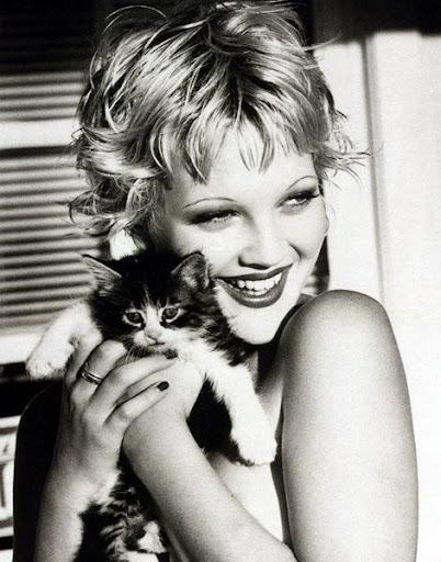 Drew Barrymore and cat