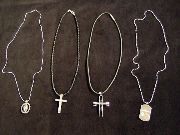 Capricorn killhalsband kedja+smycke 249 kr - 299 kr