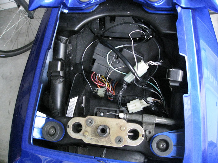 parts question fusebox location? suzuki sv650 forum sv650 Old Fuse Box at Sv650 Fuse Box Under Rear Sea