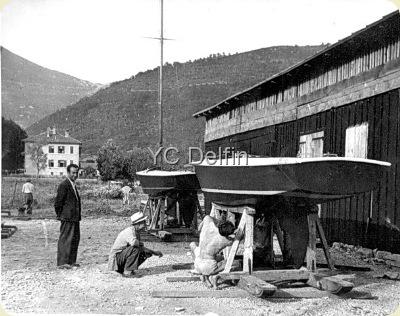 YC Delfin Stele ispred klubske barake ED