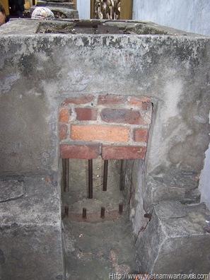 Hoa Lo Prison (Hanoi Hilton) sewer escape