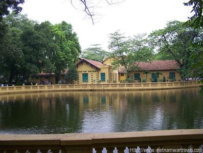Ho Chi Minh Stilt House Gardens & Fishpond (5)