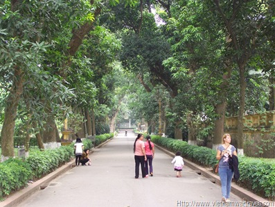Hanoi Presidential Palace grounds (6)