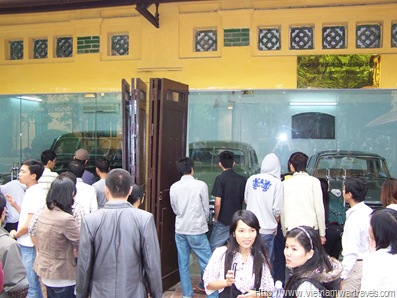 Garage of Ho Chi Minh's Used Cars (2)