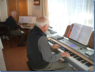 Peter Brophy (left) playing along with Rob Powell