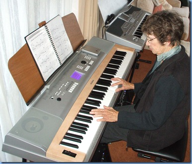 Colleen Kerr playing Colin Crann's Yamaha DGX-620 digital ensemble piano