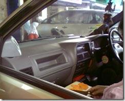 Potong Wortel Di Mobil
