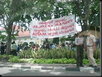 Unjuk Rasa Di Pengadilan Jalan Arjuna 4445