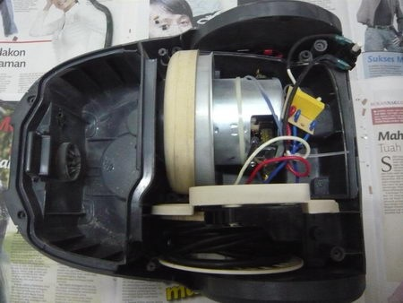 vacuum cleaner disassemble 4