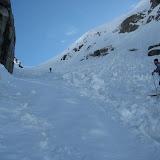 Der Schnee war hier im Schatten gefroren und ziemlich rutschig