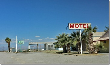 110222_salton_sea_niland_motel