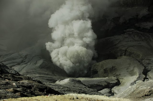 Looking into the mouth of Bromo