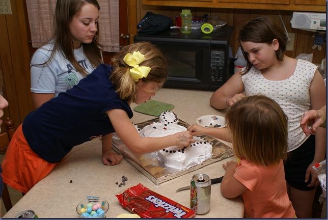 2010-4-2 Bunny Cake 078