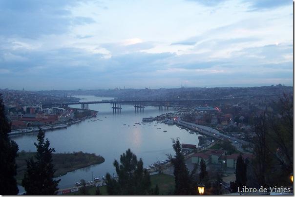 Anochecer Estambul