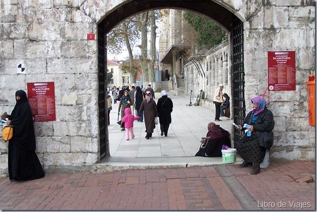 Entrada a Fatih Camil. El barrio más ferviente del Islam en Estambul