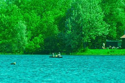 DSC_2844_canoe_diver[1]