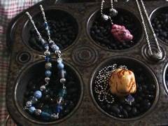 mixed-necklaces