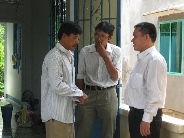 Chú Bùi Quang Thọ và Bé Trâm  IMG_1342