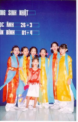 Chương trình vui trung thu của nhóm Tình thương Nha Trang Hung-012_001