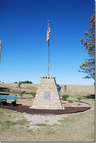 09-24-10 E Geographical Center of Lower 48 - Lebanon (2)