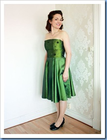 greenShinyDress