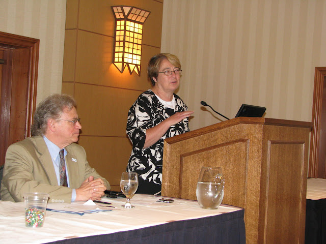 Federation President/CEO Cliff Rosenthal and ShoreBank Senior Policy Advisor, Ellen Seidman, during Seidman's presentation at the Federation's 35th Annual Conference on Serving the Underserved
