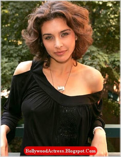 sexy lisa ray actress