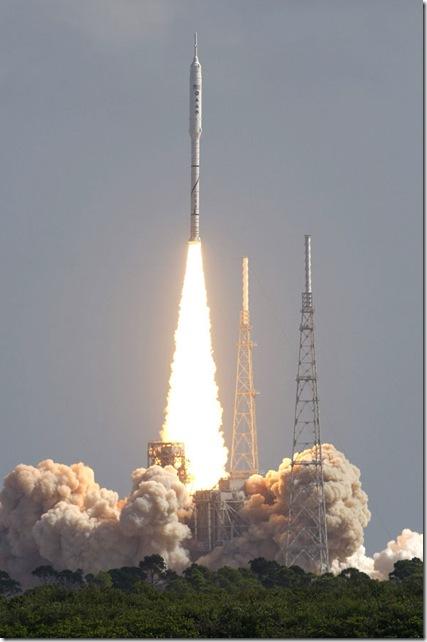 Imagem 1: Lançamento do foguete de testes Ares I-X foi um sucesso!