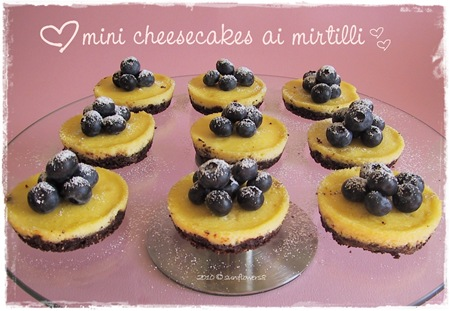 Mini cheeesecake ai mirtilli
