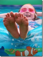 swimming pool fun 030 Large e-mail view