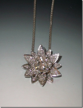 White-Gold-Diamond-Pendant-1