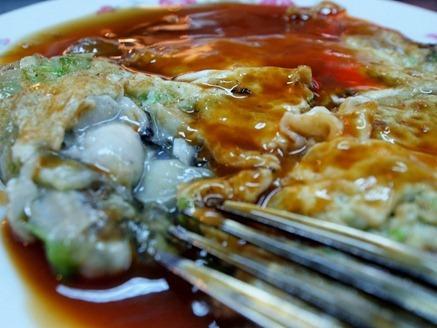 Keelung Night Market: Oyster Omelette