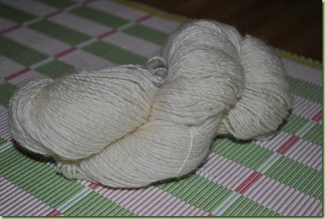 vitt shetlandsgarn