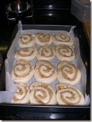 Ravioli, cinnamon buns 013