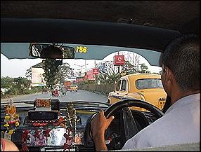 Interior del Taxi de Calcuta