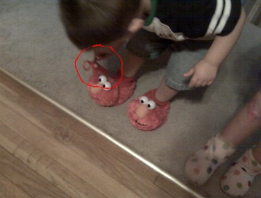 elmo slippers2