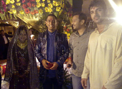 Dhoni's good friend John Abraham attended Dhoni and Sakshi's marriage