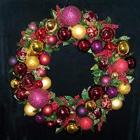Decorative Christmas Ornament Wreaths & Centerpieces