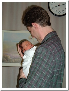 2004 0111 Hyrum - bonding time with Daddy, 4