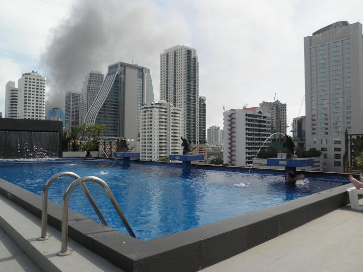Pacyfikacja widok z hotelowego basenu