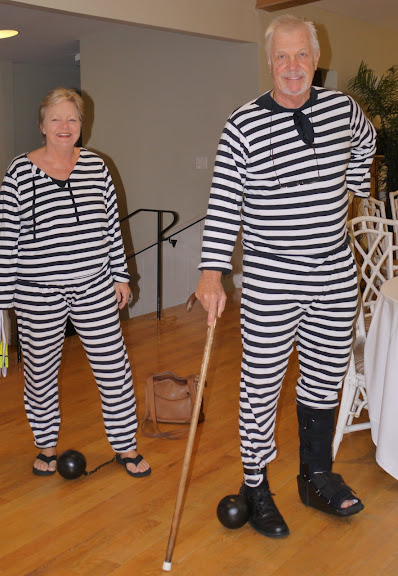 Bill Gallagher teaches at the Crystal Coast for some Halloween Fun - Ted & Marian Goetzinger