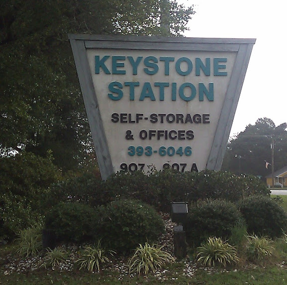 Emerald Isle NC - Best Massage Therapist - Keystone Station Sign