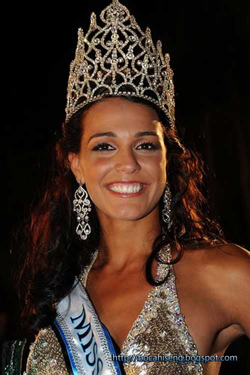 Pemenang Miss World 2009 - Kaiane Aldorino
