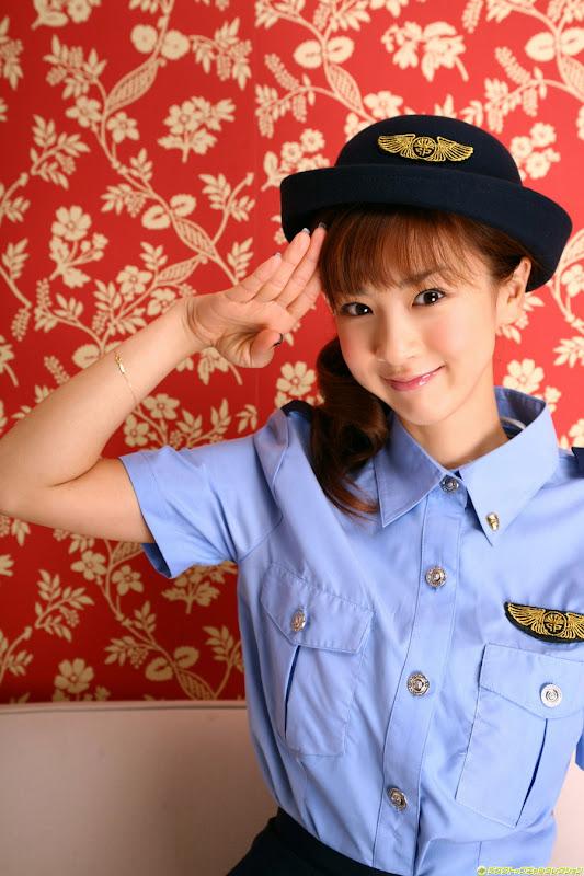 星野亞希爆乳警官小姐制服寫真照片8