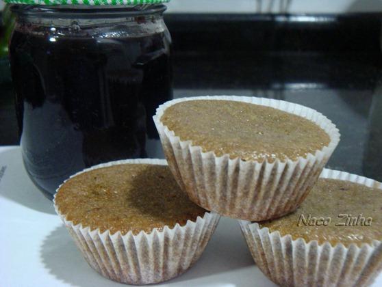 Cupcake com geleia de uva