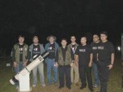 Alguns membros do NEUS, em vigília e observações astronômicas