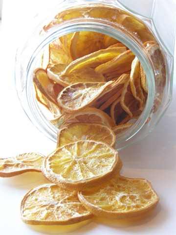 Oranges-in-a-jar-spilling