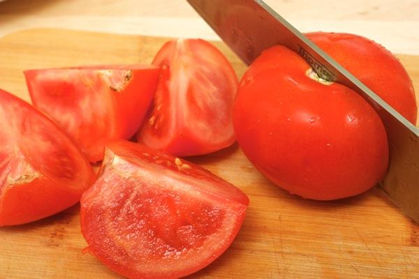 Режем помидоры.jpg