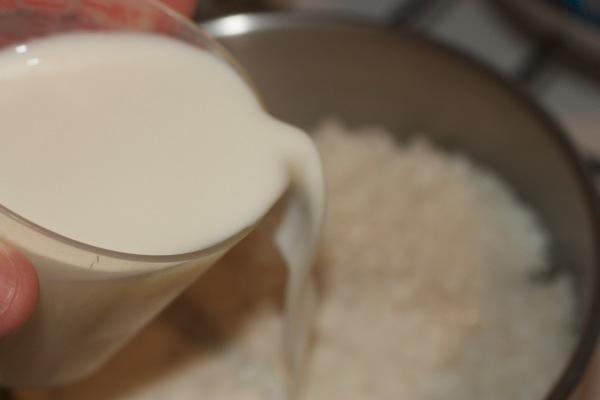 Добавляем молоко в рис.jpg