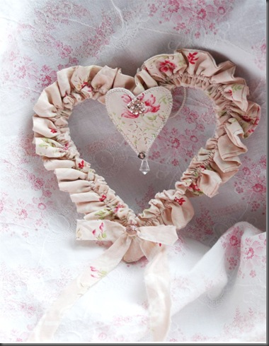 twinkle heart ornament